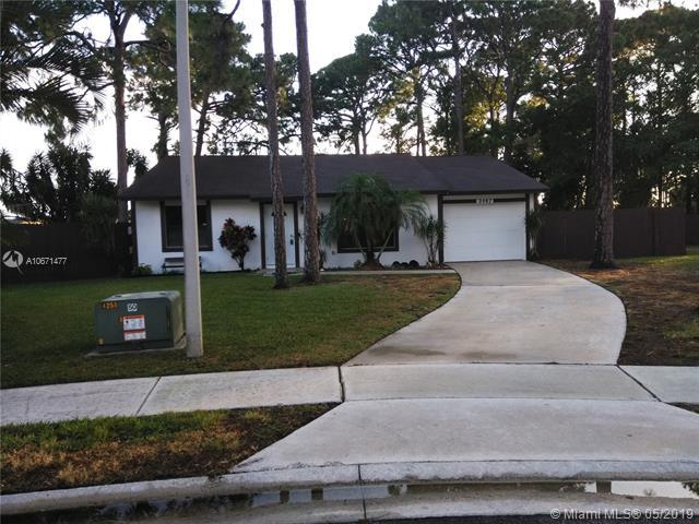 2487 Lena Ln, West Palm Beach, FL 33415 (MLS #A10671477) :: Grove Properties