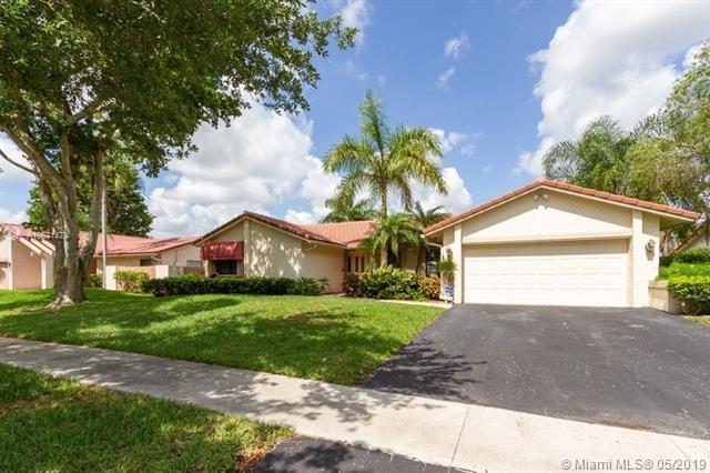 1311 NW 94th Ter, Plantation, FL 33322 (MLS #A10671479) :: Green Realty Properties