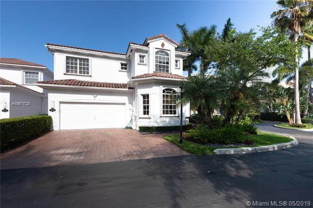 19435 39th Ave, Sunny Isles Beach, FL 33160 (MLS #A10671725) :: The Paiz Group