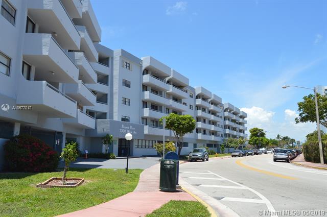 7300 Wayne Av. #211, Miami Beach, FL 33141 (MLS #A10672012) :: EWM Realty International