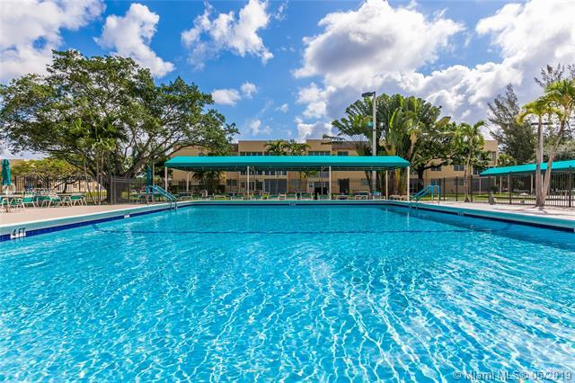 5961 NW 61st Ave #107, Tamarac, FL 33319 (MLS #A10672086) :: RE/MAX Presidential Real Estate Group
