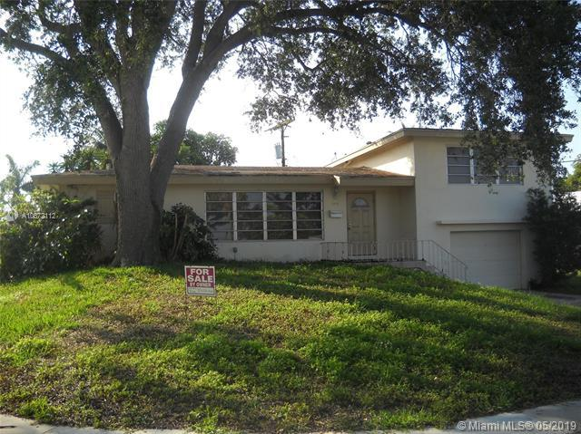 698 NW 15th Ave, Boca Raton, FL 33486 (MLS #A10672112) :: RE/MAX Presidential Real Estate Group