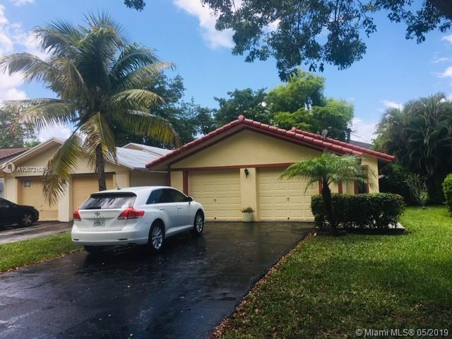 1702 NW 93rd Ter, Coral Springs, FL 33071 (MLS #A10672168) :: The Paiz Group