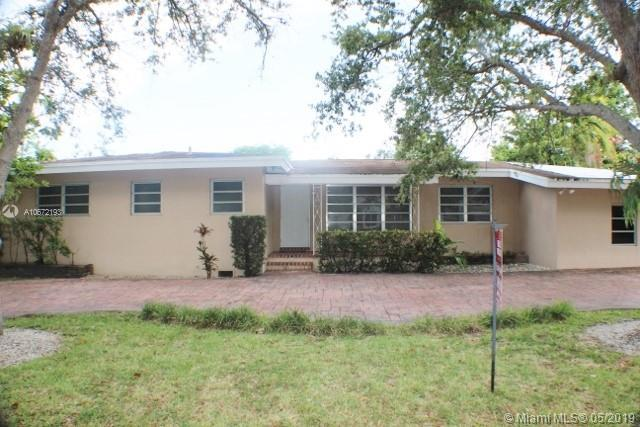 7340 SW 96th St, Pinecrest, FL 33156 (MLS #A10672193) :: Green Realty Properties
