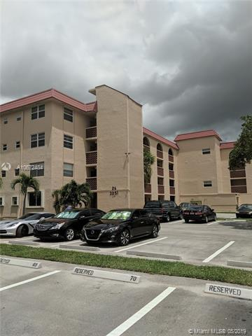 3251 Holiday Springs Blvd #304, Margate, FL 33063 (MLS #A10672484) :: RE/MAX Presidential Real Estate Group