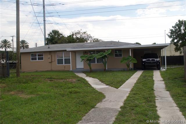 1101 SW 51st Ave, Plantation, FL 33317 (MLS #A10672507) :: The Teri Arbogast Team at Keller Williams Partners SW