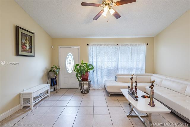 11911 NW 34th Pl, Sunrise, FL 33323 (MLS #A10672550) :: RE/MAX Presidential Real Estate Group