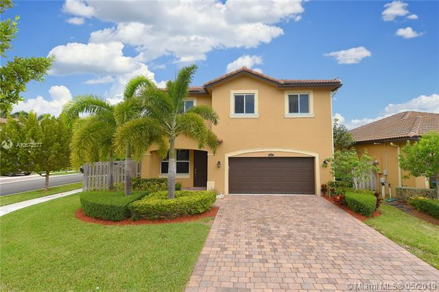 11879 SW 250th Ter, Homestead, FL 33032 (MLS #A10672577) :: Grove Properties