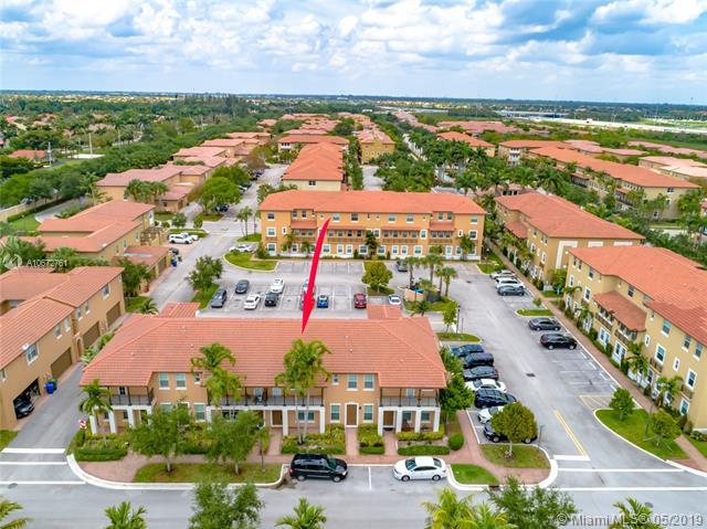 14725 SW 11th St #14725, Pembroke Pines, FL 33027 (MLS #A10672761) :: The Paiz Group