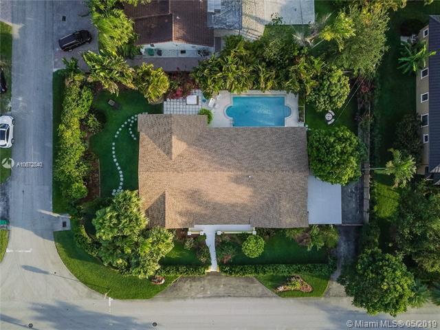 9500 SW 92nd St, Miami, FL 33176 (MLS #A10672840) :: The Brickell Scoop