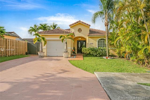 14304 SW 171st Ter, Miami, FL 33177 (MLS #A10672848) :: Green Realty Properties