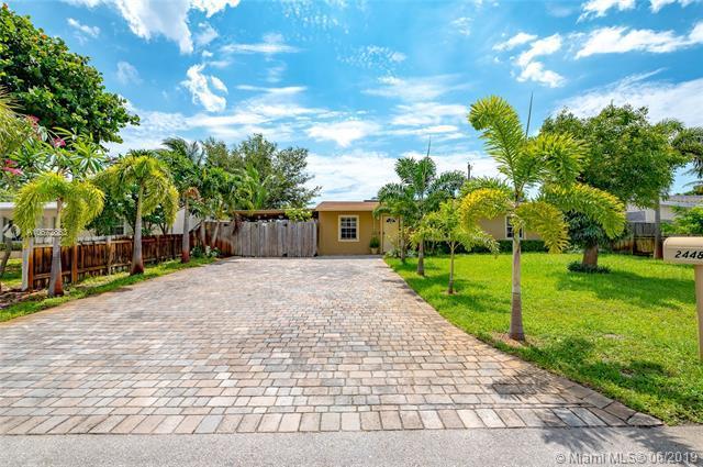 2448 NE 12th Ter, Pompano Beach, FL 33064 (MLS #A10672853) :: Grove Properties