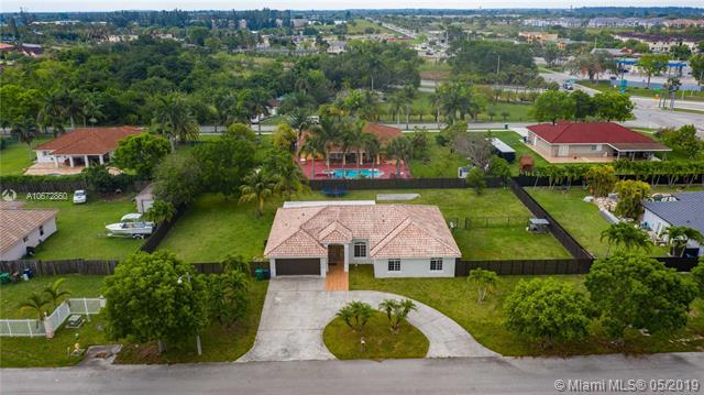 27911 SW 154th Ct, Homestead, FL 33032 (MLS #A10672860) :: Grove Properties