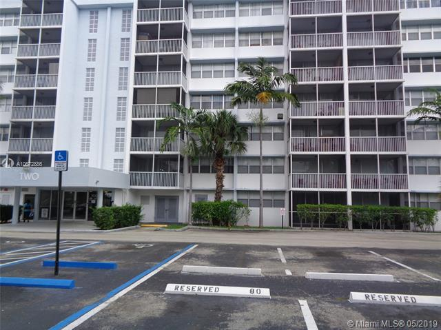 700 NW 214th St #403, Miami Gardens, FL 33169 (MLS #A10672886) :: RE/MAX Presidential Real Estate Group