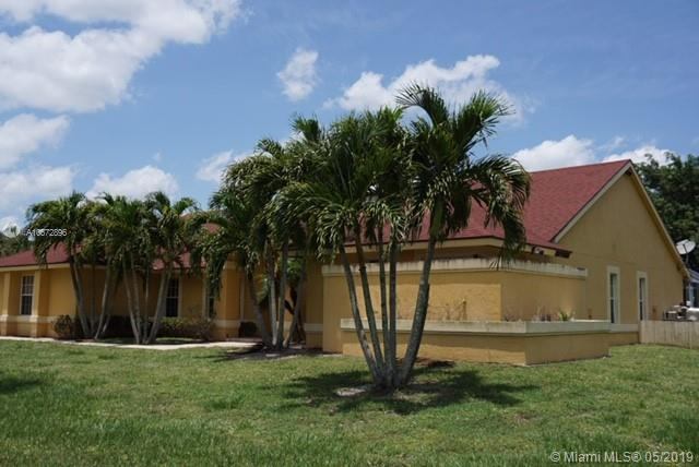 14882 Paddock Dr, Wellington, FL 33414 (MLS #A10672896) :: The Riley Smith Group