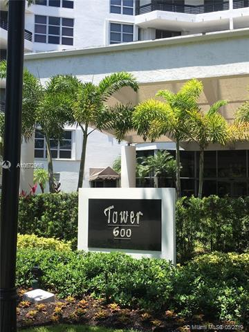 3400 NE 192nd St #204, Aventura, FL 33180 (MLS #A10672966) :: Ray De Leon with One Sotheby's International Realty
