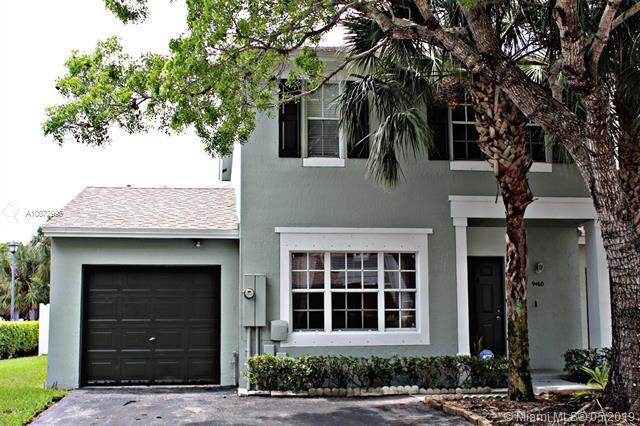 9460 Stanley Ln, Tamarac, FL 33321 (MLS #A10672996) :: Green Realty Properties