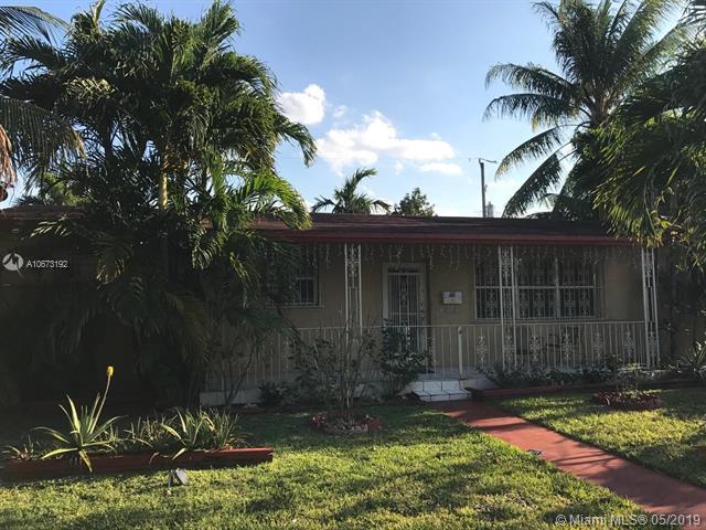 754 W 40th Pl, Hialeah, FL 33012 (MLS #A10673192) :: Grove Properties