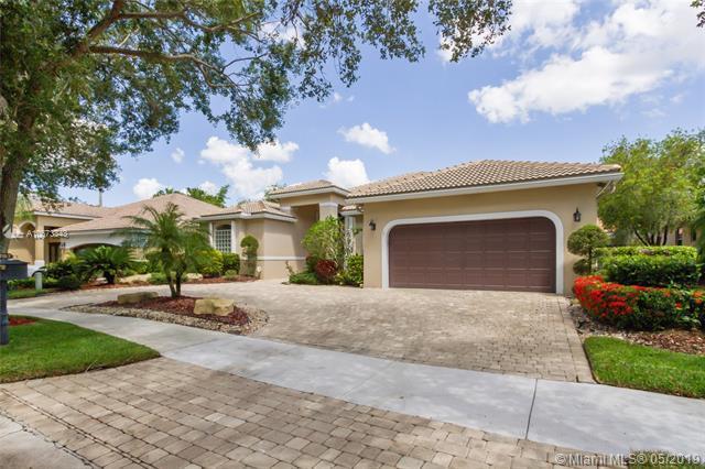 2797 Oakbrook Ln, Weston, FL 33332 (MLS #A10673343) :: Green Realty Properties