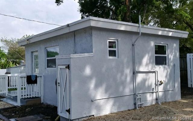 4608 SW 29th Ter, Dania Beach, FL 33312 (MLS #A10673410) :: RE/MAX Presidential Real Estate Group