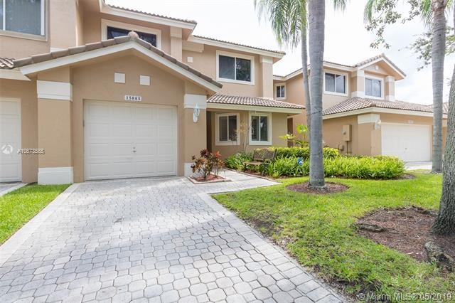 15885 SW 11th St 3-32, Pembroke Pines, FL 33027 (MLS #A10673565) :: The Teri Arbogast Team at Keller Williams Partners SW