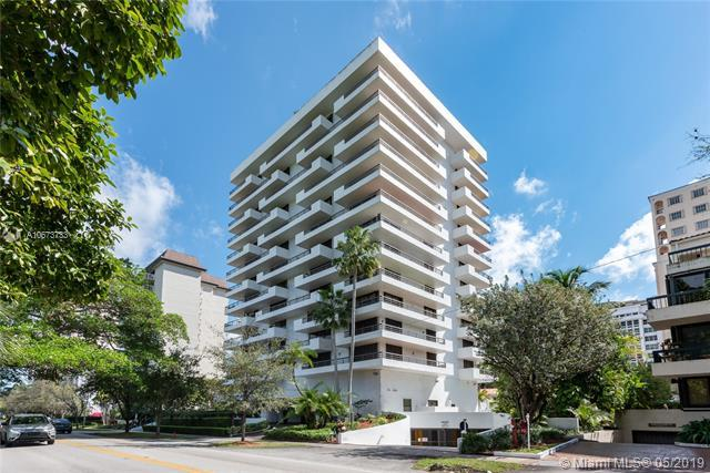 720 Coral Way 3D, Coral Gables, FL 33134 (MLS #A10673733) :: The Maria Murdock Group