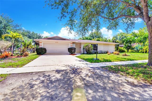 490 NW 43rd Ave, Plantation, FL 33317 (MLS #A10673789) :: Ray De Leon with One Sotheby's International Realty