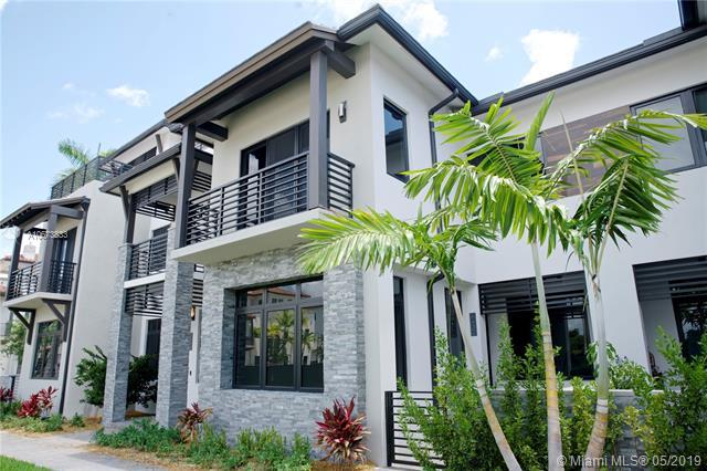 8432 NW 51st Terr, Doral, FL 33166 (MLS #A10673833) :: Grove Properties