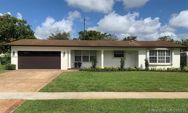 5431 SW 1st Street, Plantation, FL 33317 (MLS #A10673919) :: RE/MAX Presidential Real Estate Group