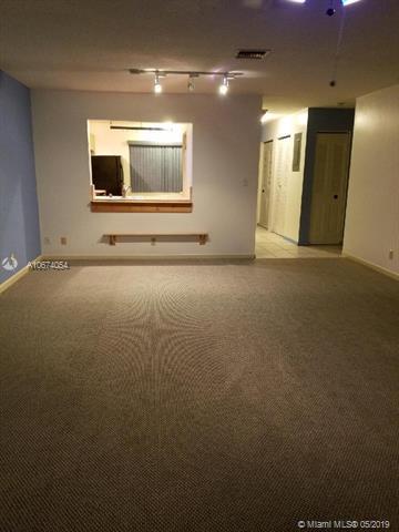 158 W Laurel Dr #1008, Margate, FL 33063 (MLS #A10674054) :: The Brickell Scoop