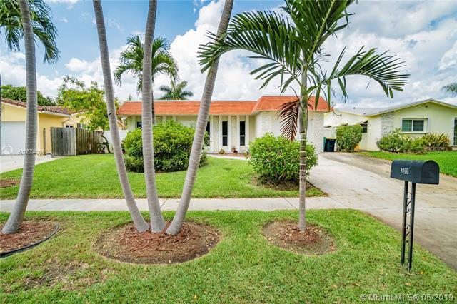 303 SE 4th Ter, Dania Beach, FL 33004 (MLS #A10674063) :: RE/MAX Presidential Real Estate Group