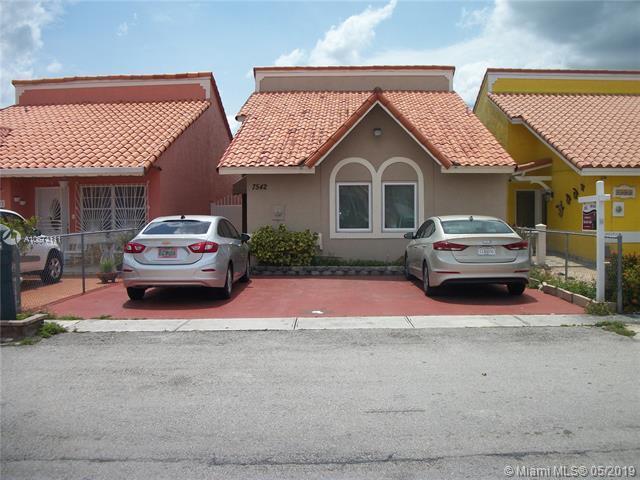 7542 W 29th Way, Hialeah, FL 33018 (MLS #A10674111) :: The Jack Coden Group