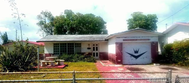 308 NW 10 S, Hallandale, FL 33009 (MLS #A10674120) :: The Teri Arbogast Team at Keller Williams Partners SW