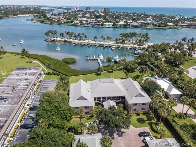 851 Saturn St E, Jupiter, FL 33477 (MLS #A10674156) :: Green Realty Properties
