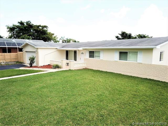 1921 NW 107th Ave, Pembroke Pines, FL 33026 (MLS #A10674202) :: The Brickell Scoop