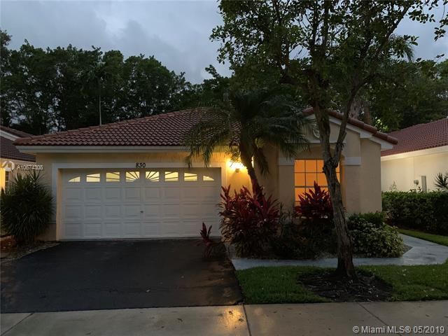 830 Garnet Cir, Weston, FL 33326 (MLS #A10674308) :: The Paiz Group