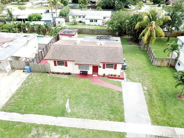 6840 Fillmore St, Hollywood, FL 33024 (MLS #A10674547) :: The Paiz Group