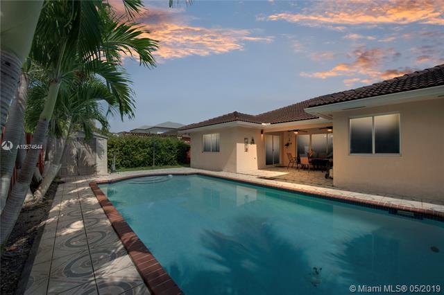 14338 SW 165th St, Miami, FL 33177 (MLS #A10674644) :: Green Realty Properties