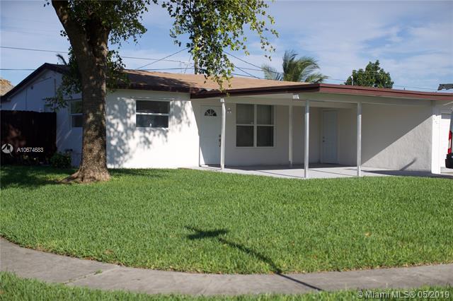 641 N 70th Ter, Hollywood, FL 33024 (MLS #A10674683) :: The Paiz Group