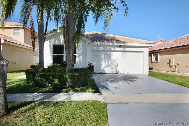 2527 SW 177th Ave, Miramar, FL 33029 (MLS #A10674721) :: RE/MAX Presidential Real Estate Group