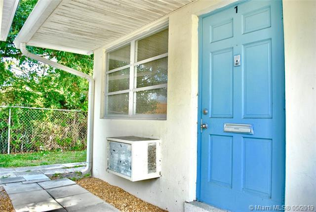 2236 Taylor #7, Hollywood, FL 33020 (MLS #A10674773) :: Grove Properties