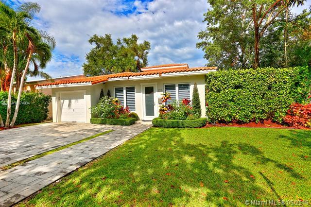 3315 Monegro St, Coral Gables, FL 33134 (MLS #A10674904) :: The Maria Murdock Group