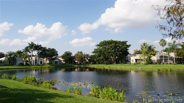 10371 Copper Lake Dr, Boynton Beach, FL 33437 (MLS #A10675016) :: The Paiz Group