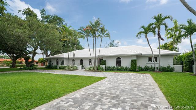 4722 Granada Blvd, Coral Gables, FL 33143 (MLS #A10675077) :: The Maria Murdock Group