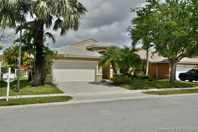 19391 SW 15th St, Pembroke Pines, FL 33029 (MLS #A10675079) :: The Teri Arbogast Team at Keller Williams Partners SW