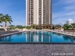 20301 W Country Club Dr #1030, Aventura, FL 33180 (MLS #A10675246) :: Grove Properties