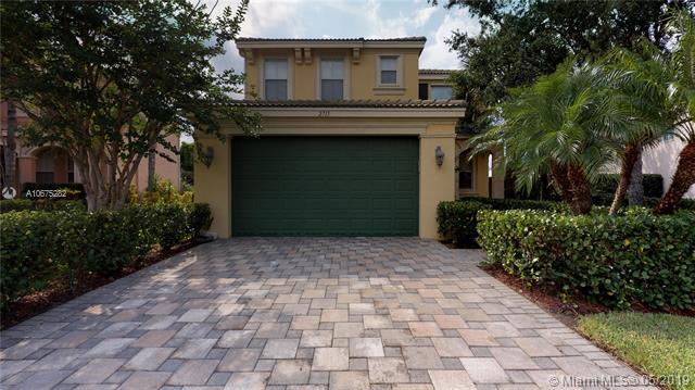2715 Pienza Cir, Royal Palm Beach, FL 33411 (MLS #A10675282) :: The Paiz Group