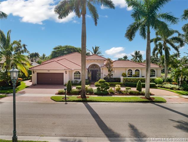 2500 Montclaire Cir, Weston, FL 33327 (MLS #A10675286) :: Green Realty Properties