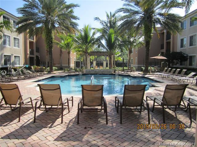 6831 SW 44 #211, Miami, FL 33155 (MLS #A10675365) :: Grove Properties