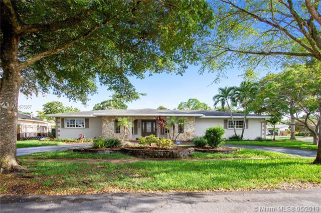 5780 SW 8th Ct, Plantation, FL 33317 (MLS #A10675367) :: Green Realty Properties